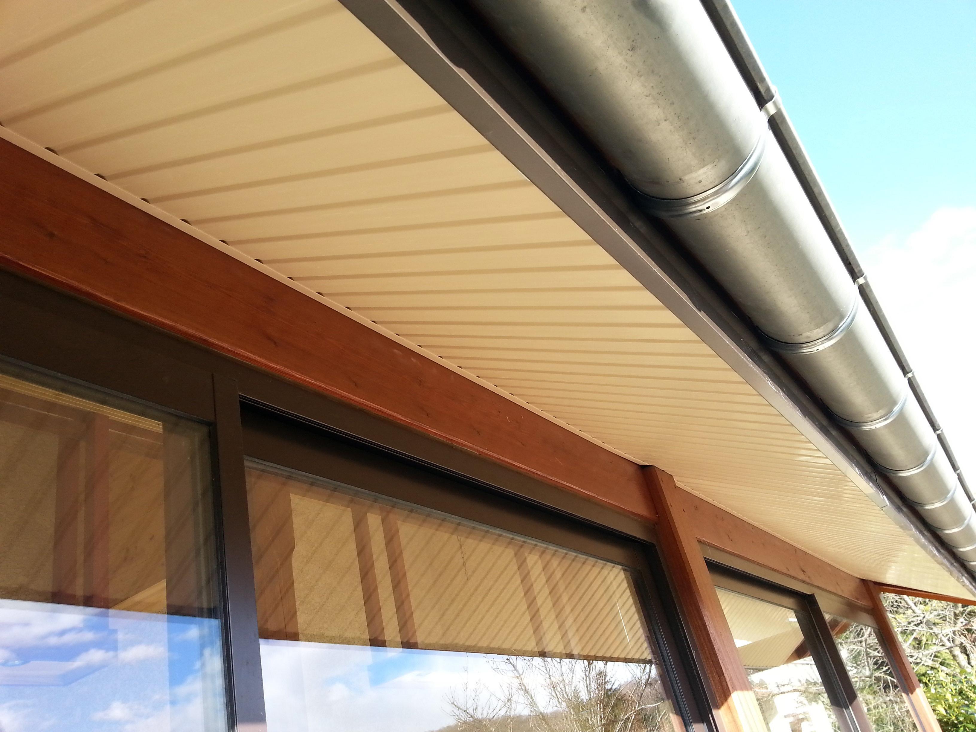 peinture de dessous de toit livry gargan t l. Black Bedroom Furniture Sets. Home Design Ideas